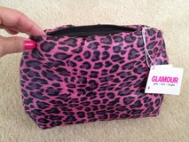 NWT Leopard Puffy Clutch Purse Makup Bag in Westmont, Illinois