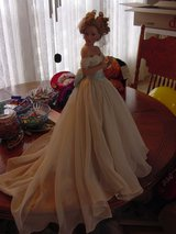 Beautiful Bride Doll in Alamogordo, New Mexico